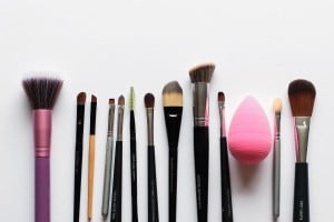 The 1 Step Method To Cleaning Your Makeup Brushes