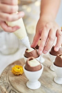 White Chocolate Cheesecake Easter Eggs with Lemon Curd Recipe